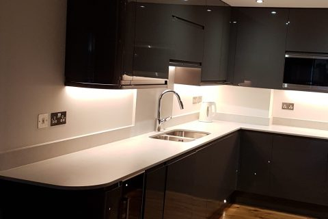 Modern open plan kitchen in Wapping