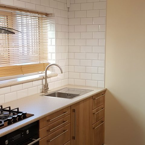 Kitchen splashbacks with metro tiles